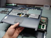 Toshiba Satellite 1200. Lift up top cover.